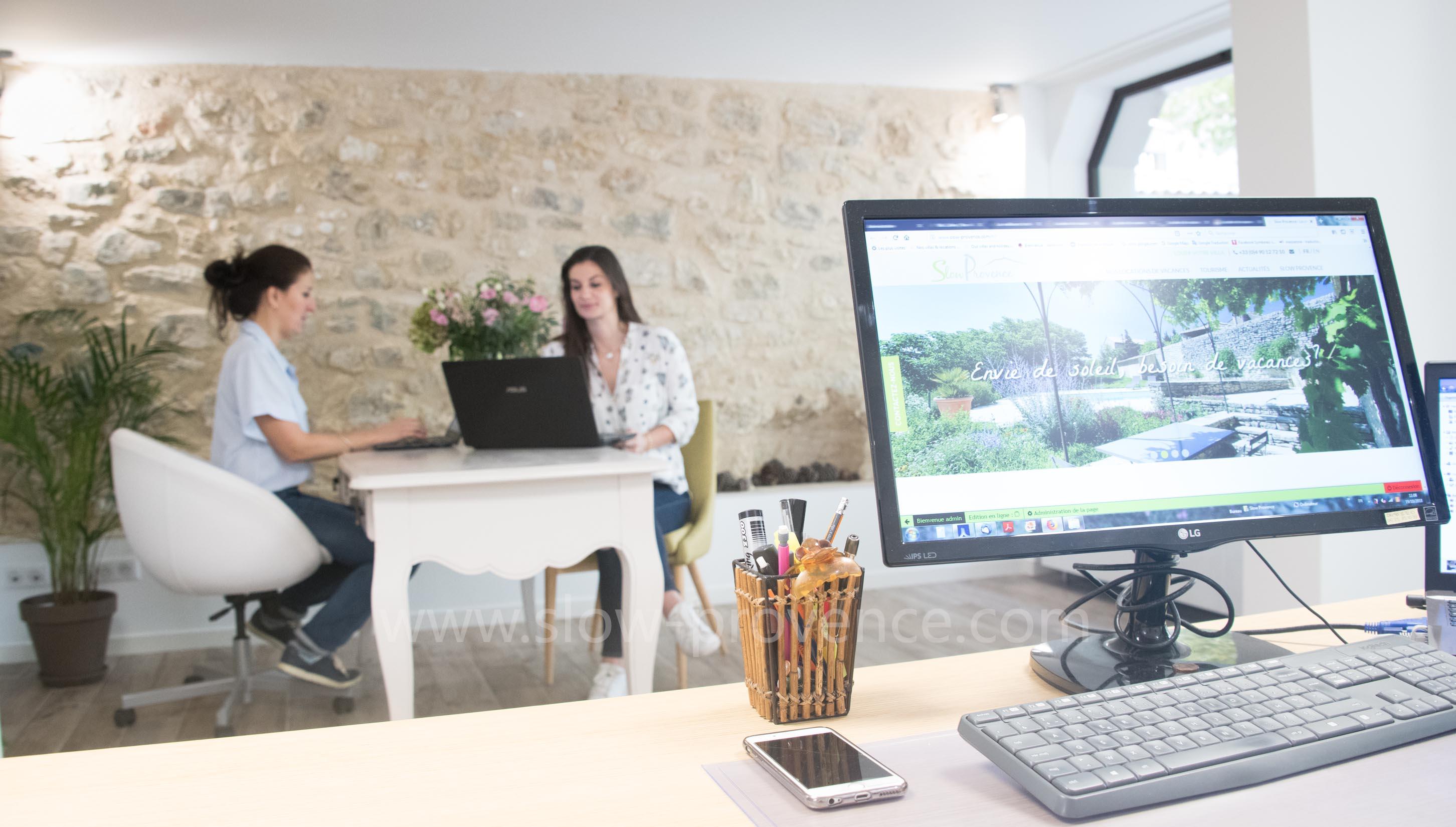 Agence specialisée en location saisonnière - Bedoin, Mont Ventoux