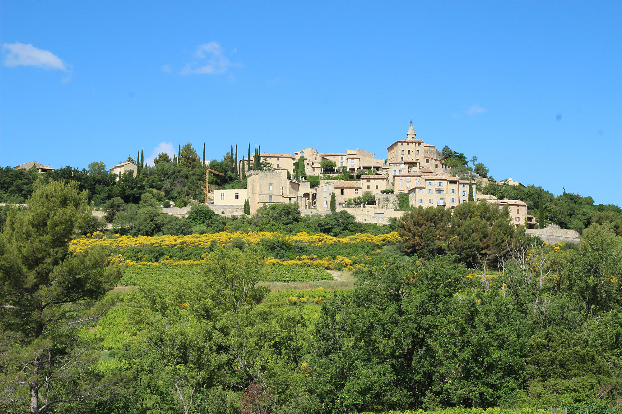 Crillon Le Brave, village provençal perché face au Mont Ventoux