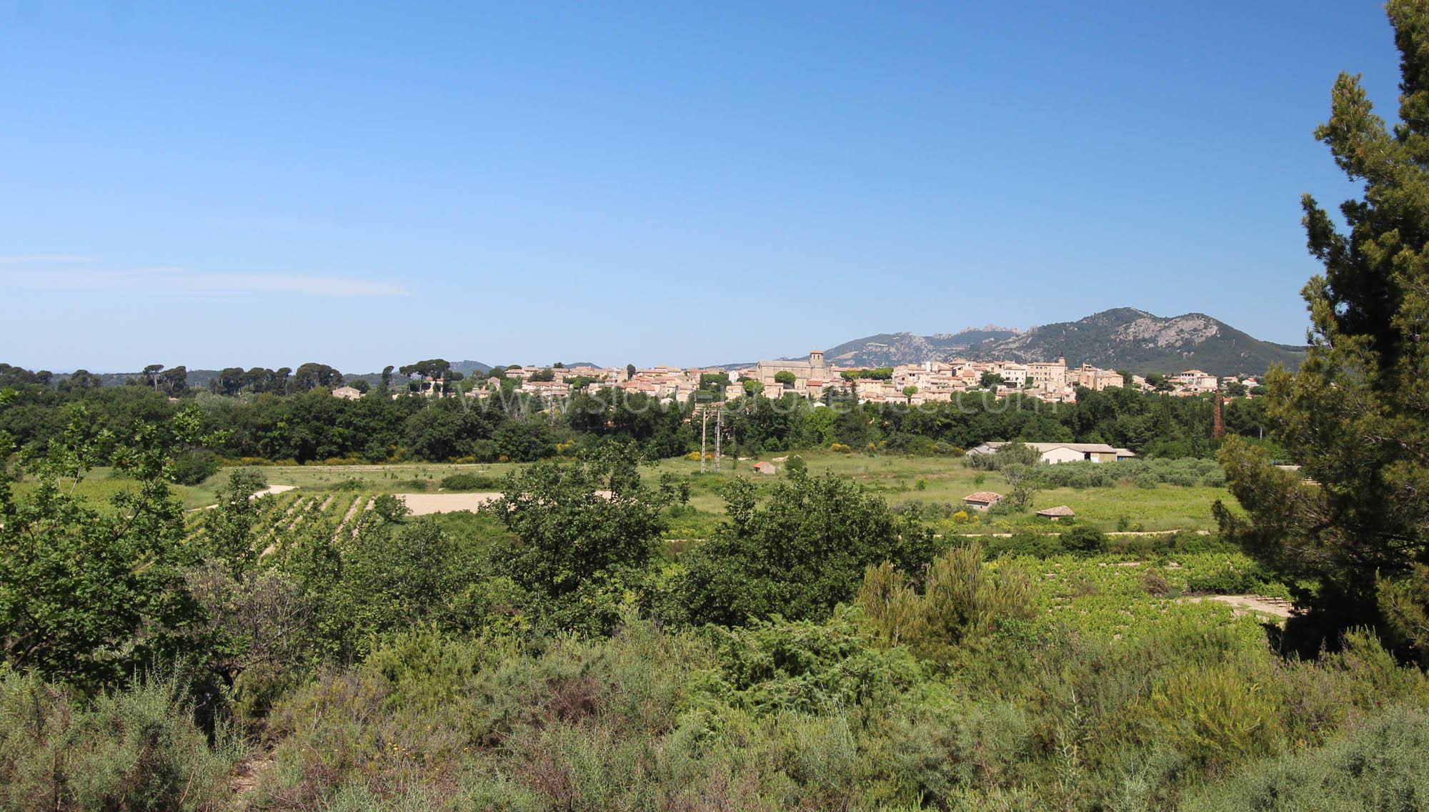 Caromb, village animé entre Ventoux et Dentelles de Montmirail