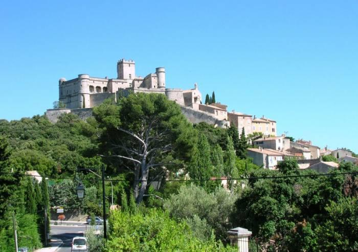 Le Barroux, small medieval village in Provence behind Mont Ventoux