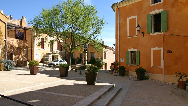 Couleurs Facades En Provence flassan, tiny village at the foot of mont ventoux