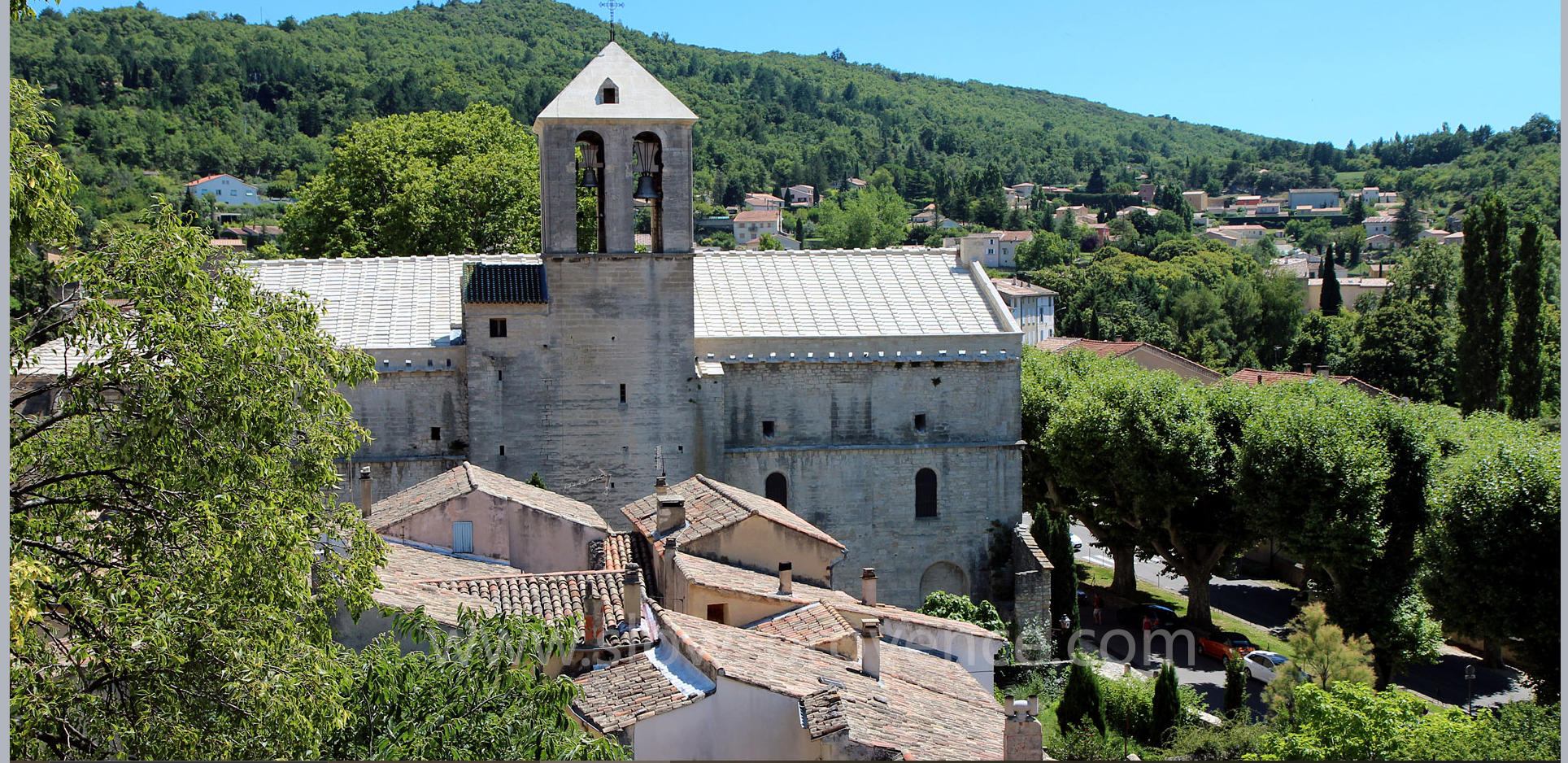 Malaucène, village au pied du versant Nord du Mont Ventoux
