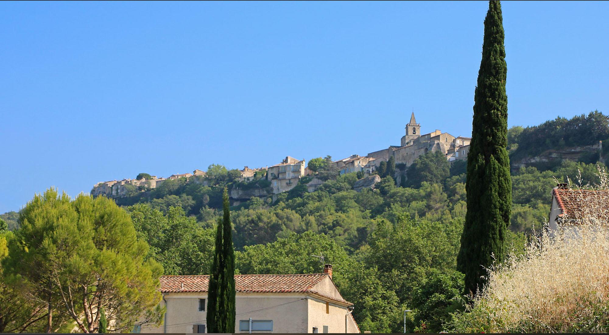 Venasque, un des plus beaux villages de France en Vaucluse